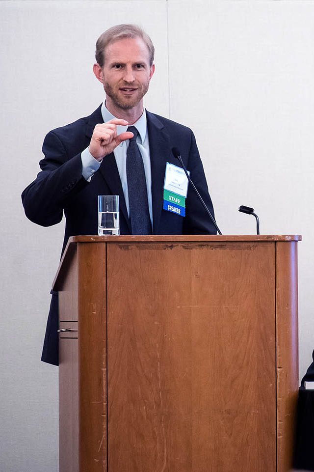 Photo of Rob Grunewald lecturing
