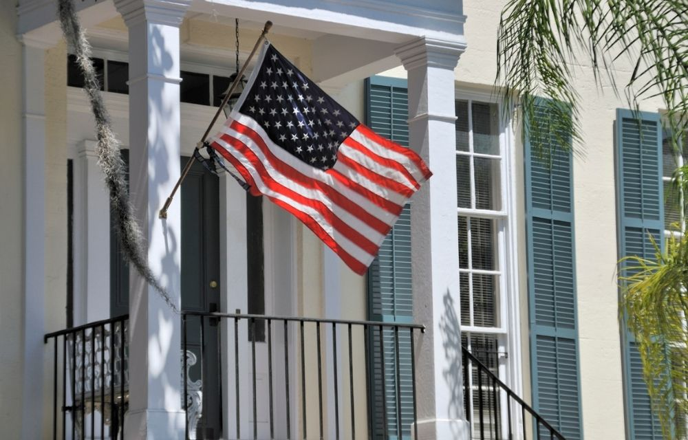 Southern home with US flag