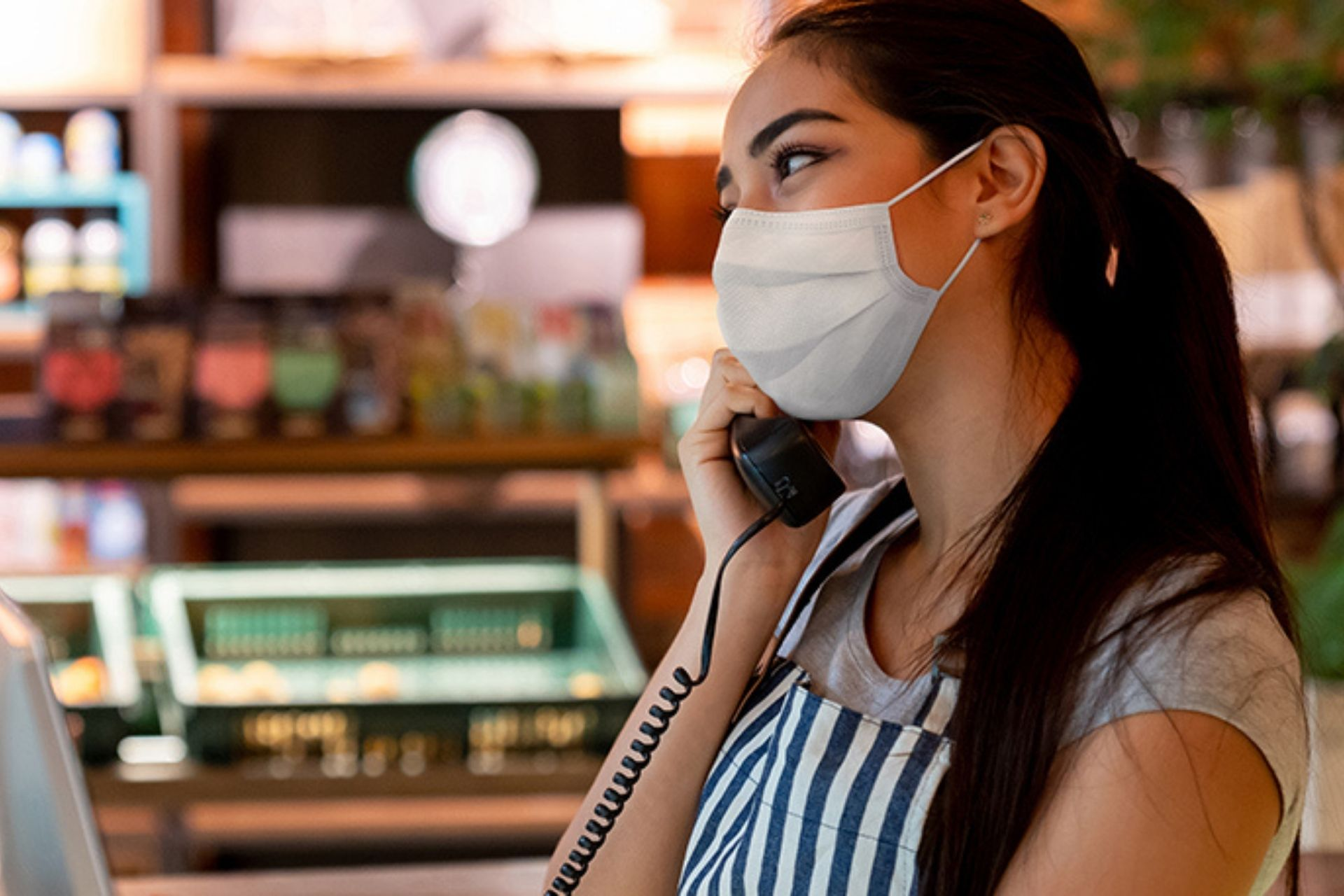 Pandemic grocery worker